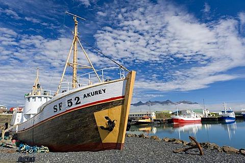 Port of Hoefn or Hoefn i Hornafiri, Hornafirdi, community of Hornafjoerur, Hornafjoerdur, eastern Iceland, Europe