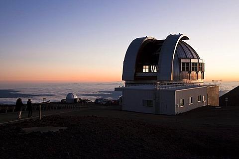 Mauna Kea Observatory on the summit of the Mauna Kea Volcano, 4205m, the United Kingdom Infrared Telescope, Mauna Kea, Hawai'i, USA