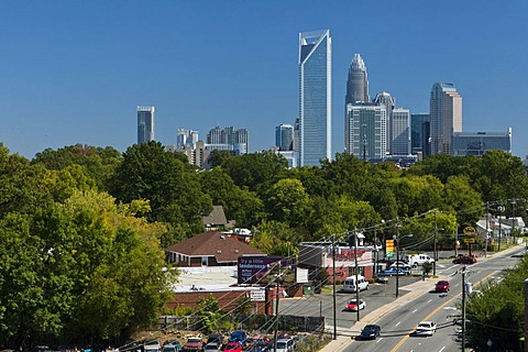 Skyline of Charlotte, North Carolina's largest city and the second largest banking and financial centre in the USA, Charlotte, North Carolina, USA, North America