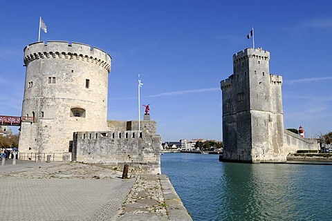 Tour de la Chaine and Tour Saint Nicolas, towers, harbour, La Rochelle, Charente-Maritime, Poitou-Charentes, France, Europe, PublicGround