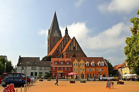 Market square and St. Mary's Church, Barth, Mecklenburg-Western Pomerania, Germany, Europe