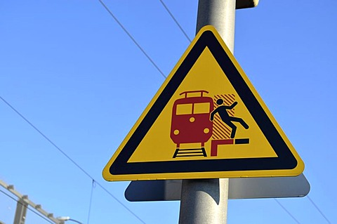 Warnign sign, warning of undertow and falling off the platform, Germany, Europe