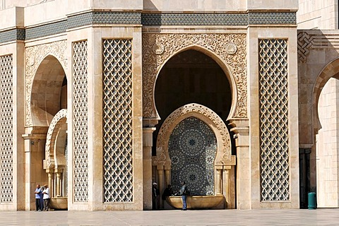 Fountain at the Hassan II Mosque, Grand Mosque of Hassan II, Casablanca, Morocco, North Africa, Africa