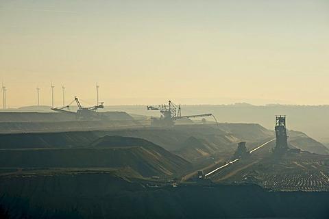 A rotary excavator and a spreader, Tagebau Garzweiler open pit mine, Grevenbroich, North Rhine-Westphalia, Germany, Europe