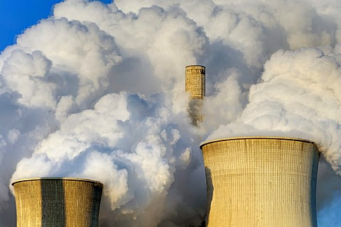 Cooling towers, Braunkohlekraftwerk Neurath, lignite-fired power plant, Grevenbroich, North Rhine-Westphalia, Germany, Europe