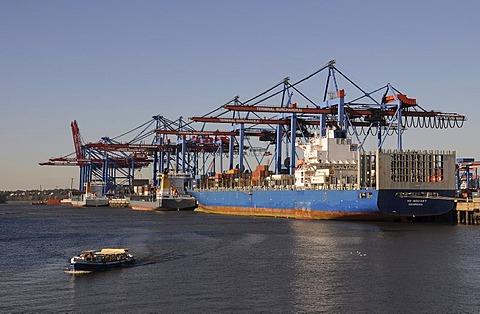 Container loading at the port, Hamburg, Germany, Europe