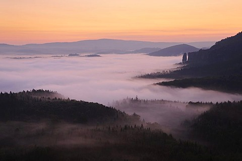 Fog in the Elbe Sandstone Mountains, overlooking Nasser Grund with Blossstock rock at back, Saxony, Germany, Europe