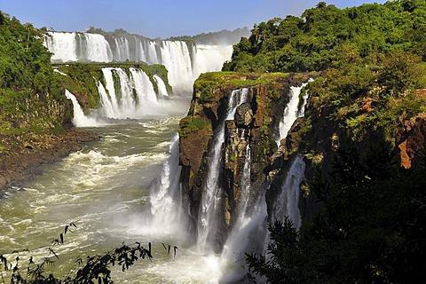 View of the Garganta del Diablo, Devil's Throat, from Isla San Martin, Iguazu Falls, Puerto Iguazu, Argentina, South America