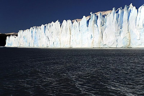 Escarpment of the Perito Moreno Glacier in Lago Argentino, El Calafate, Patagonia, Argentina, South America