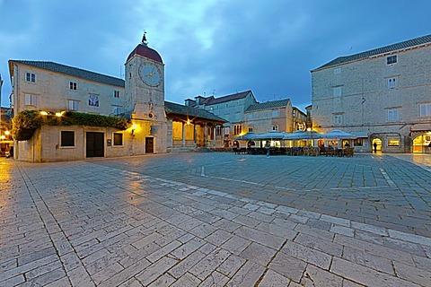 Romanesque Church of St. John the Baptist, Cathedral Square, historic town centre, UNESCO World Heritage Site, Trogir, Split region, Central Dalmatia, Dalmatia, Adriatic coast, Croatia, Europe, PublicGround