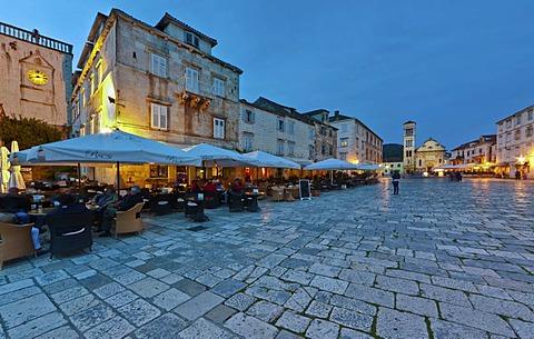 Trg Svetog Stjepana, St. Stephen's square, Cathedral of St. Stephen, Katedrala Svetog Stjepana, Hvar, Hvar Island, central Dalmatia, Dalmatia, Adriatic coast, Croatia, Europe, PublicGround