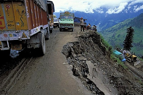Trucks on the Rohtang Pass shortly after a landslide, Himachal Pradesh, northern India, India, Asia
