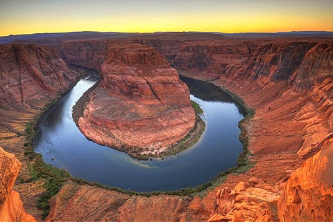 Horseshoe Bend or King Bend, meandering bend of the Colorado River, Page, Glen Canyon National Recreation Area, Arizona, United States of America