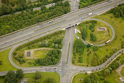 Aerial view, Autobahn exit A2 and federal road exit B224, Gladbeck, Ruhr Area, North Rhine-Westphalia, Germany, Europe