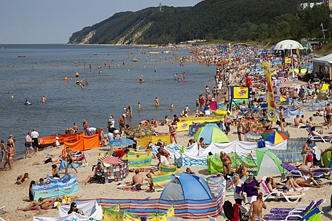 Lively beach, seaside resort of Mi&dzyzdroje or Misdroy, Wolin Island, Baltic Sea, Western Pomerania, Poland, Europe, PublicGround