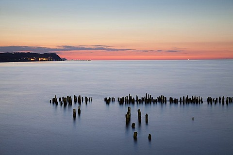 Coast in the evening light, magic hour, seaside resort of Heringsdorf, Usedom island, Baltic Sea, Mecklenburg-Western Pomerania, Germany, Europe