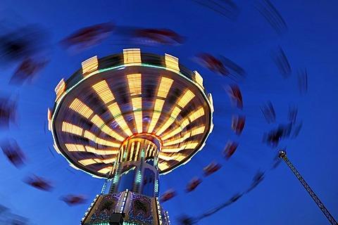 Night scene, Chair-O-Planes or swing carousel, Cannstatter Volksfest, Wasen, Stuttgart Beer Festival, Bad Cannstatt, Stuttgart, Baden-Wuerttemberg, Germany, Europe, PublicGround