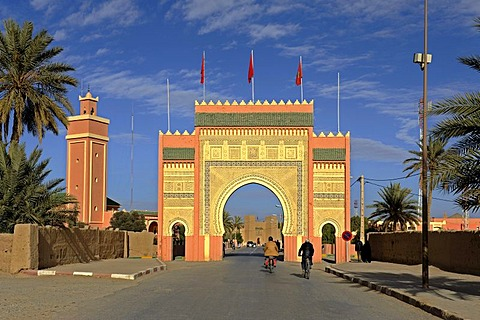 City gate of Rissani, southern Morocco, Morocco, Maghreb, North Africa, Africa