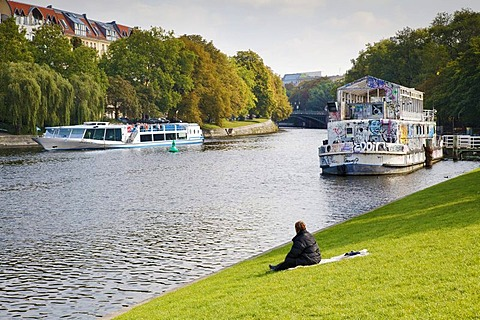 Urbanhafen urban harbour with tourist boat and Theaterschiff Tau, Landwehrkanal canal, Kreuzberg Berlin, Germany, Europa