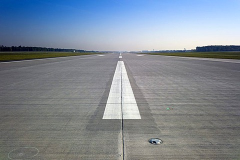 Runway 28R, 07L, a new runway at Frankfurt Airport, opening on 21st September 2011, Frankfurt am Main, Hesse, Germany, Europe