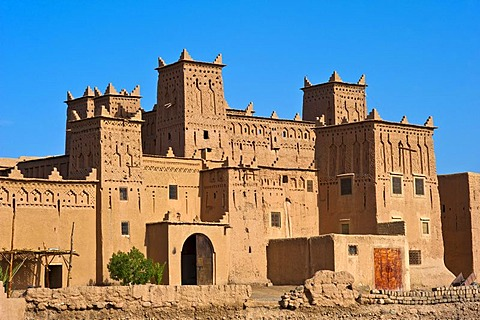 Amerhidil Kasbah, mud fortress, residential Berber castle, Tighremt, Skoura, Dades Valley, southern Morocco, Morocco, Africa