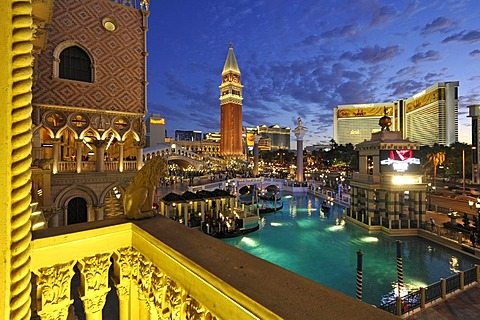 Night shot at the blue hour, Canale Grande, Grand Canal, Campanile bell tower, gondolas, The Strip, 5-star luxury hotel at The Venetian Casino, The Mirage, The Bellagio, Las Vegas, Nevada, United States of America, USA