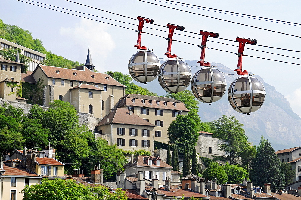 Cable car over the river Isere to Fort de la Bastille, Grenoble, Rhone-Alpes, France, Europe