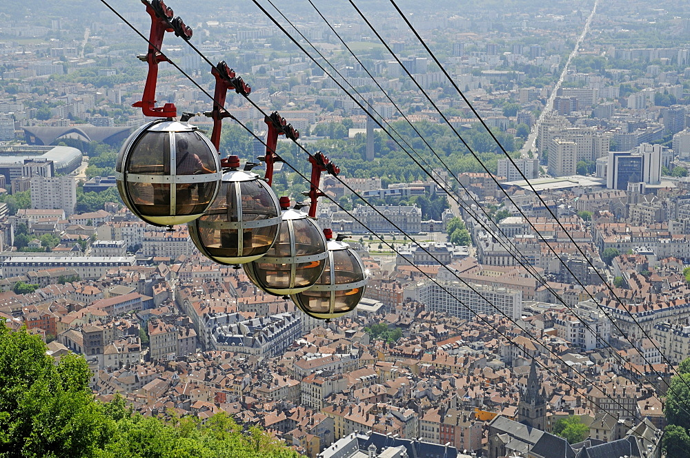 Cable car to Fort de la Bastille, Grenoble, Rhone-Alpes, France, Europe