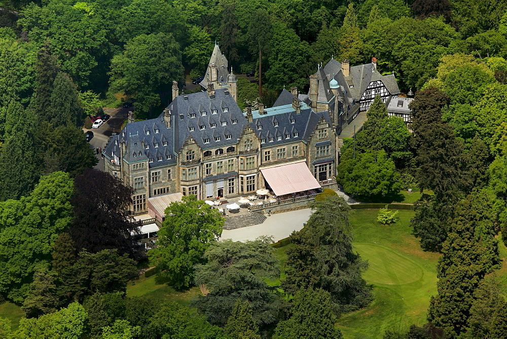 Aerial view, Schlosshotel Kronberg castle hotel Kronberg, golf and country club Kronberg, Kronberg im Taunus, Hesse, Germany, Europe