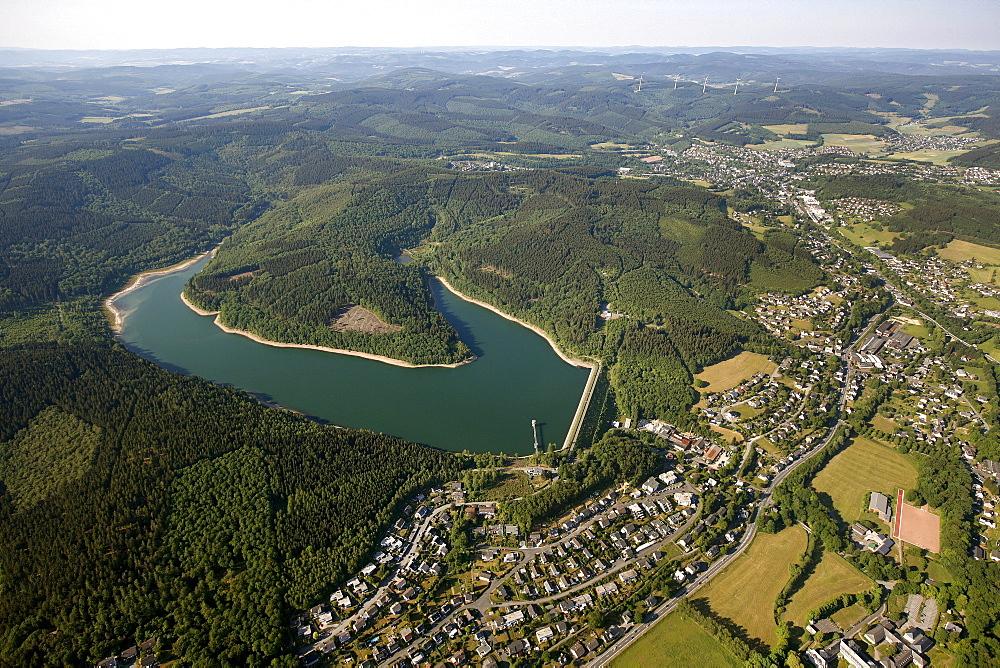 Aerial view, Breitenbachtalsperre storage lake, dam of the Breitenbachstausees reservoir near Hilchenbach in the Rothaargebirge mountains, Kreis Siegen-Wittgenstein district, Sauerland region, North Rhine-Westphalia, Germany, Europe