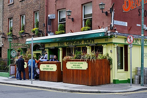 The Ginger Man pub on Merrion Square, Dublin, Republic of Ireland, Europe