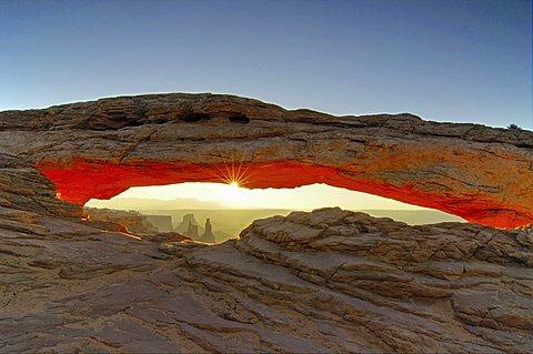 Mesa Arch in the break of dawn, Canyonlands National Park, Utah, USA
