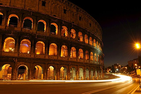 Night shot of the Colosseum, Coliseum, Rome, Lazio region, Italy, Europe
