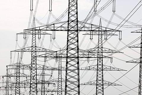 Transmission towers, electricity pylons, power lines, Neuss, North Rhine-Westphalia, Germany, Europe