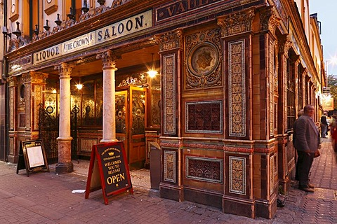 Crown Liquor Saloon, Belfast, Northern Ireland, Ireland, Great Britain, Europe, PublicGround