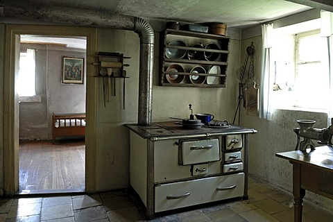 Kitchen, 1911, with view into the bedroom, farmhouse from Herrnbechtheim, Franconian open-air museum, Eisweiherweg 1, Bad Windsheim, Middle Franconia, Bavaria, Germany, Europe
