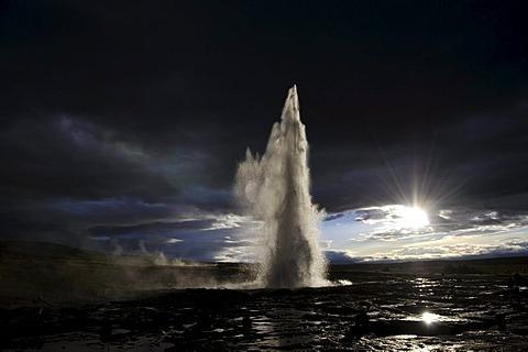 Strokkur geyser, Geysir, Haukadalur valleys, Iceland, Europe