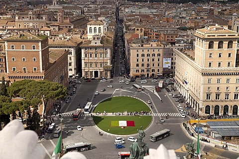 The Piazza Venezia as seen from the Monumento Vittorio Emanuele II monument, Rome, Italy, Europe
