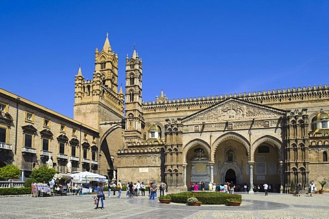 Cathedral and Palazzo Arcivescovile in Palermo, Sicily, Italy, Europe