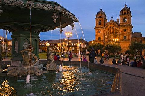 Plaza de Armas with the Iglesia de la Compania de Jesus church, Cusco, Peru, South America