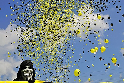 Anti nuclear power demonstration with balloons at the Gundremmingen nuclear power plant, the most powerful German nuclear power plant, Gundremmingen in Guenzburg, Bavaria, Germany, Europe