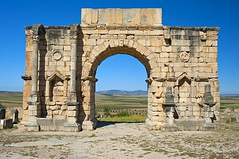 Triumphal arch of Caracalla, Roman ruins, ancient residential city of Volubilis, northern Morocco, Africa