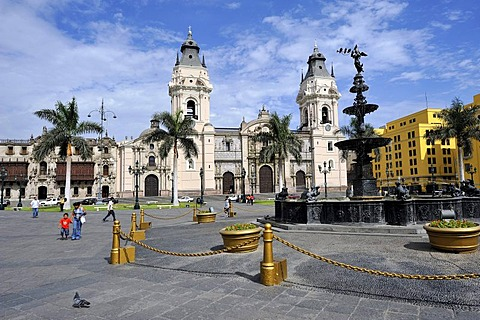 Cathedral on the Plaza Mayor or Plaza de Armas, Lima, UNESCO World Heritage Site, Peru, South America