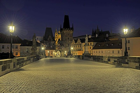 Night, Charles Bridge, towards Mala Strana, UNESCO World Heritage Site, Prague, Bohemia, Czech Republic, Europe