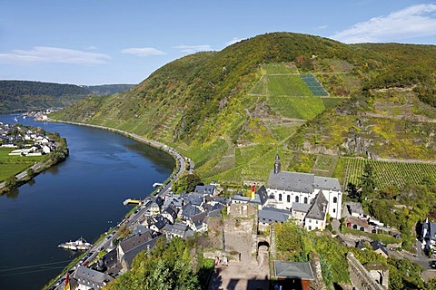 View from the Burg Metternich castle ruins on church and abbey of Beilstein, Moselle, Rhineland-Palatinate, Germany, Europe