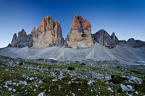 Tre Cime di Lavaredo or Drei Zinnen peaks, Hochpustertal valley, Sexten Dolomites, Dolomites, province of Bolzano-Bozen, Italy, Europe