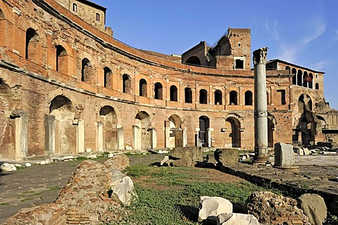 Trajan's Market with Tabernae, single room shops, Via Alessandrina, Via dei Fori Imperiali, Rome, Lazio, Italy, Europe