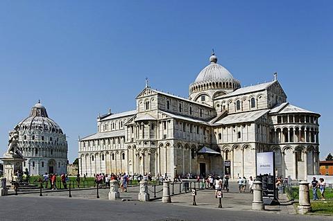 Duomo Santa Maria Assunta cathedral and Baptistery, Piazza dei Miracoli, Pisa, Tuscany, Italy, Europe