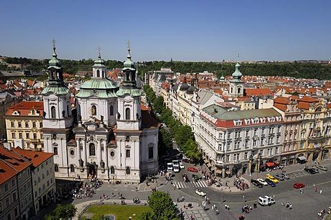 St. Nicholas Church in the Old Town Square, Staromestske namesti, Prague, Czech Republic, Europe