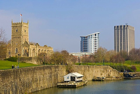 River Avon, Castle Park, Castle Green, with St Peter's Church, Harvey Nichols Apartment Tower and Castlemead from Bristol Bridge, Bristol, Gloucestershire, England, United Kingdom, Europe